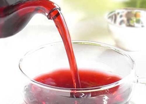 8. Красный чай (каркадэ) в горячем виде повышает давление, а в холодном...