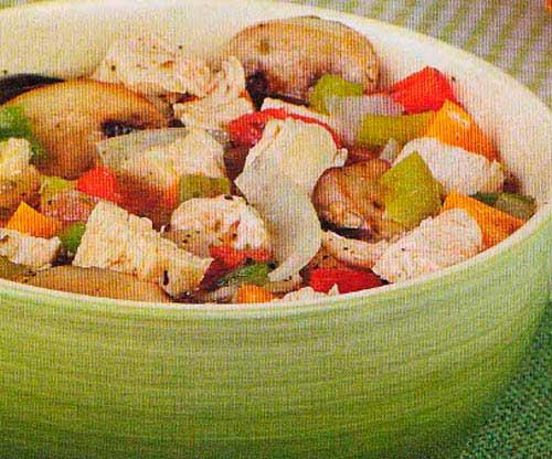 Сварить бульон из курицы и лука