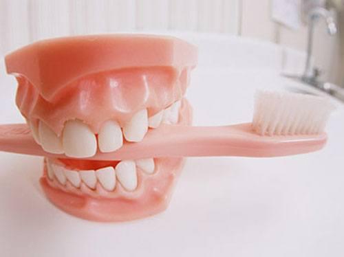 Протезами с зубными интимная жизнь