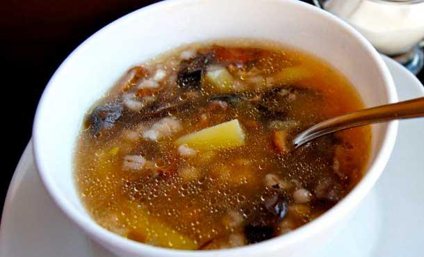 Рецепт куриного супа с сушеными грибами
