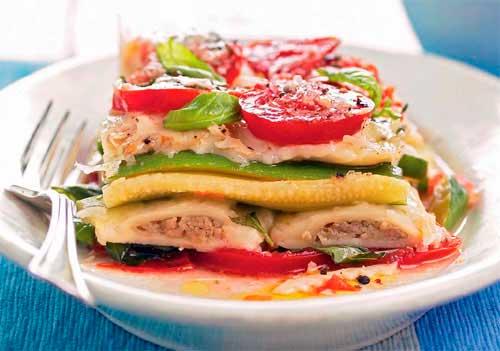 Запеканка слоеная из равиоли и овощей
