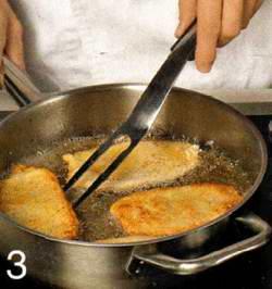 Чеснок очистить и измельчить яйца
