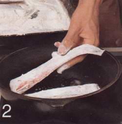 Рыба конгрио в луковой заправке