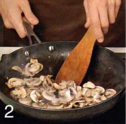 Мидии в шафранном соусе