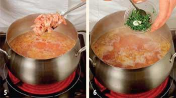 Гороховый суп с беконом и томатами
