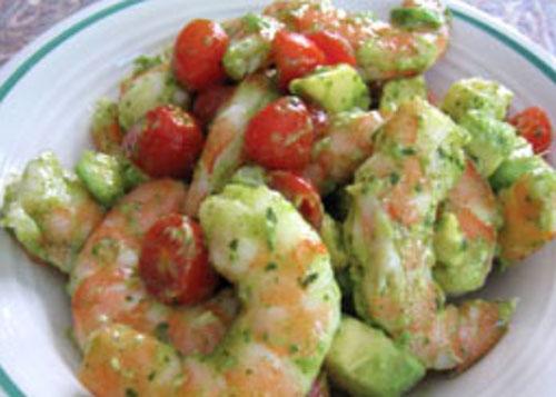 Крем-десерт из авокадо и яблок с креветками – кулинарный рецепт