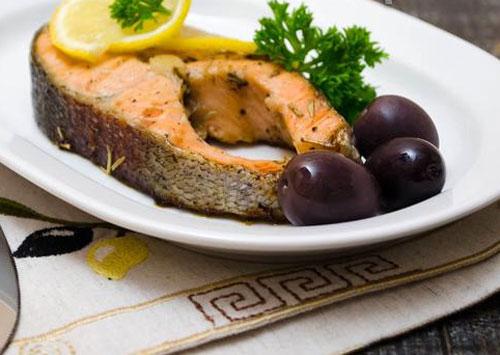 Вкусные стейки из форели – кулинарный рецепт